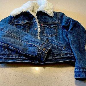 Levi's faux fur lined cropped trucker jacket